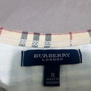 Burberry t shirt (unisex)